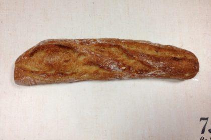 カタネベーカリー 長時間発酵のフランスパン