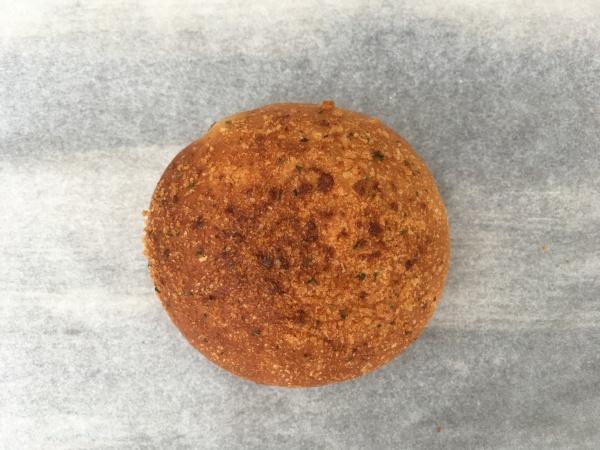 ビアンヴニュ 焼きカレーパン